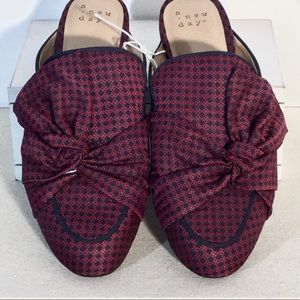 A NEW DAY NATALEE Mules NWT